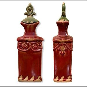 Medium red/vases